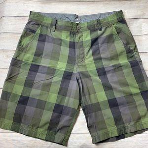 LULULEMON | green plaid shorts 38